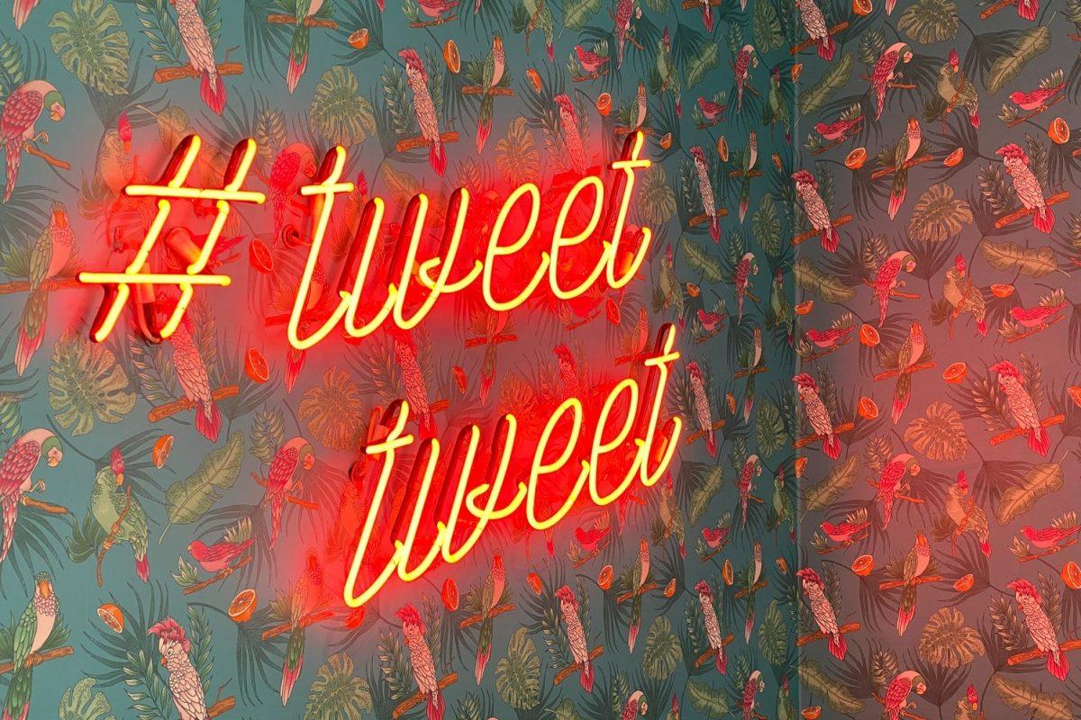Tweet Tweet - Twitter Hashtag